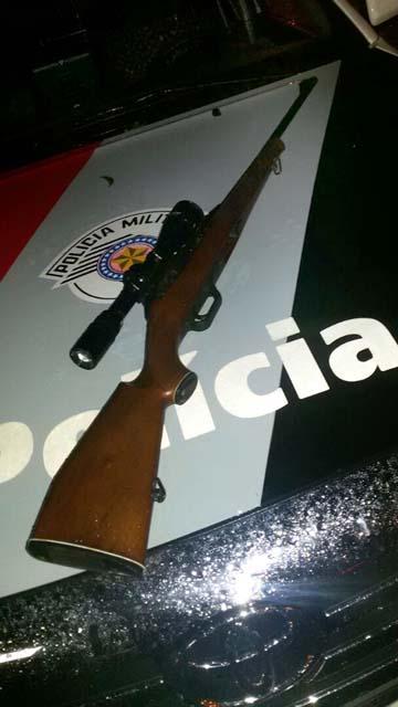 Fuzil de fabricação alemã, com uma luneta acoplada é uma arma de grande precisão, avaliaram os policiais, Foto: Divulgação