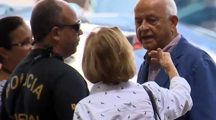 Presidente deposto da Confederação Brasileira de Desportos Aquáticos (CBDA), Coaracy Nunes (dir.), é preso pela PF. Foto: Globoesporte.com,