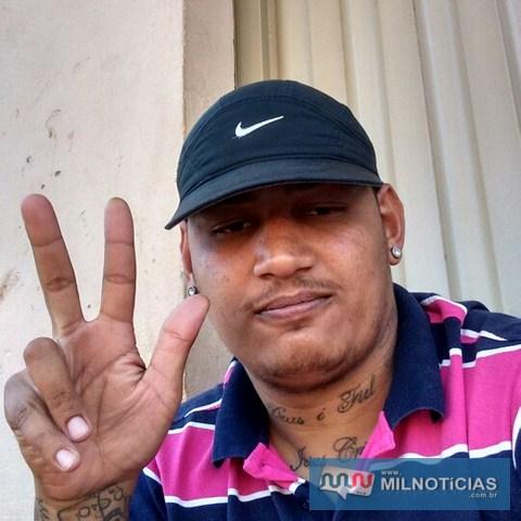 """Felipe da Costa Gonçalves, o """"Precheca"""", de 24 anos, morador na cohab Gasparelli, morreu na tarde desta quarta-feira (19). Foto: Facebook,"""
