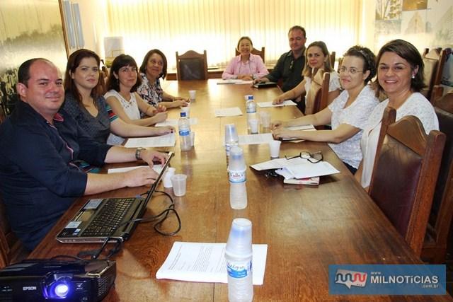Tamiko e Gimenez recompõem Comitê Municipal de Prevenção Materno Infantil. Foto: Secom/ Prefeitura