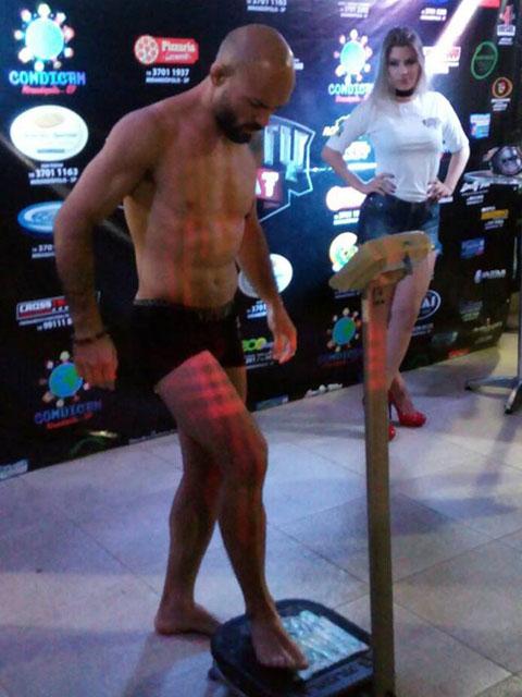 Focado nos objetivos, lutador bateu o peso da categoria: 77 Kgs. Foto: Sérgio Selingardi
