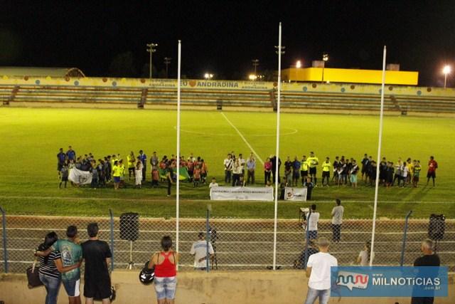 Copa infantil começou no último dia do mês de março e terminaria nesta sexta-feira (05/05), mas foi adiada devido a chuva. Fotos: MANOEL MESSIAS/Mil Noticias