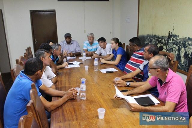 Reunião na Prefeitura definiu as chaves e o sistema de disputa da competição. Fotos: MANOEL MESSIAS/Mil Noticias