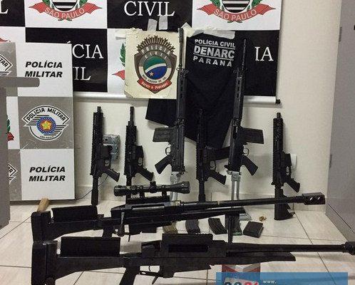 Mais de 4,5 mil quilos de maconha, pistolas, fuzis e metralhadoras foram apreendidos. Foto: Polícia Militar/DIVULGAÇÃO