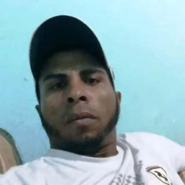 José Veríssimo da Silva Filho de 31 anos, foi morto a tiros em frente a uma casa noturna. Foto: Facebook