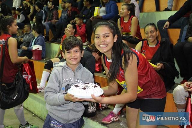 "Voleibol feminino e feminino realizaram grandes partidas. Feminino teve aniversariante do dia ""Manú Braga"". Fotos: Manoel Messias/Mil Noticias"