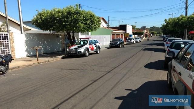 Corpo da vítima foi localizado na casa em que morava, na rua Alexandre Salomão, bairro Passarelli. Foto: DIVULGAÇÃO