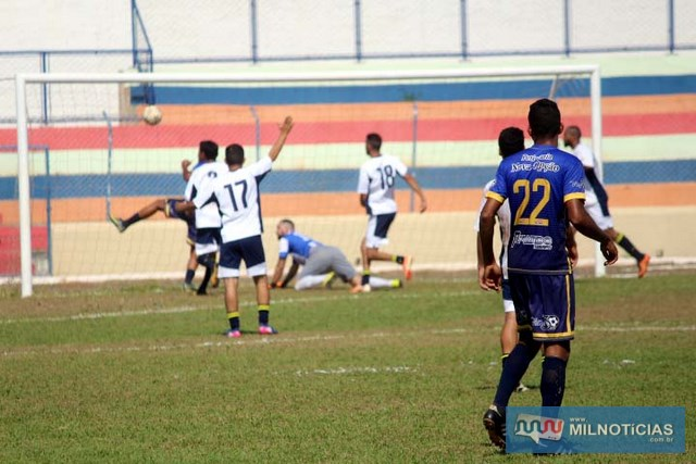 Villas (azul), venceu o Bigua/Grub por 1 a 0 e joga pelo empate. Fotos: MANOEL MESSIAS/Mil Noticias