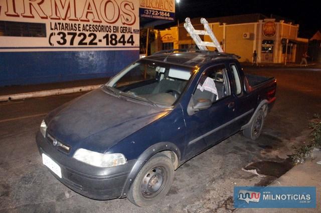 Picape Fiat Strada praticamente não sofreu nenhum dano. Foto: MANOEL MESSIAS/Agência