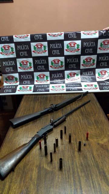 Foram apreendidas duas espingardas e munições. Foto: Polícia Civil