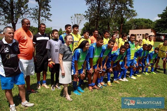 A escolinha de futebol do campo da Vila Mineira terá aulas as quartas e sextas-feiras das 15h30 às 17h30. Foto: Secom/Prefeitura