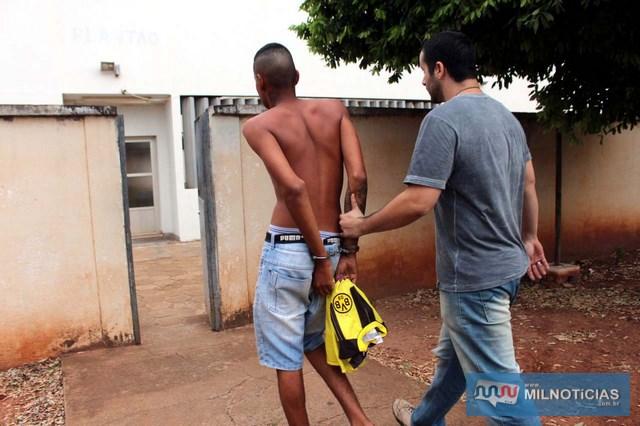 Acusado foi encaminhado ao plantão policial, indiciado e recolhido para a cadeia de Pereira Barreto. Foto: MANOEL MESSIAS/Agência