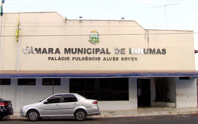 Operação prende assessor e vereador da Câmara Municipal de Inhumas (Foto: Reprodução/TV Anhanguera)