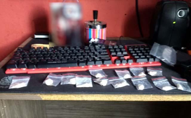 Polícia apreendeu droga na casa do assessor de comunicação da Câmara de Inhumas (Foto: Polícia Civil/ Divulgação)