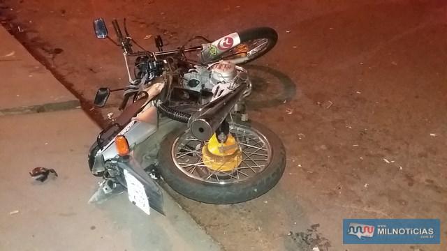 Motocicleta sofreu destruição por completo, tendo ainda tanque e carburador arrancados. Foto: MANOEL MESSIAS/Agência