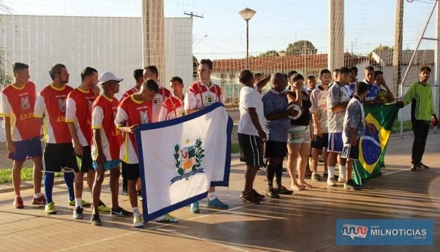 Todos os times do I Torneio de Futsal receberam troféus e também foram premiados o goleiro menos vazado e o artilheiro. Foto: Secom/Prefeitura