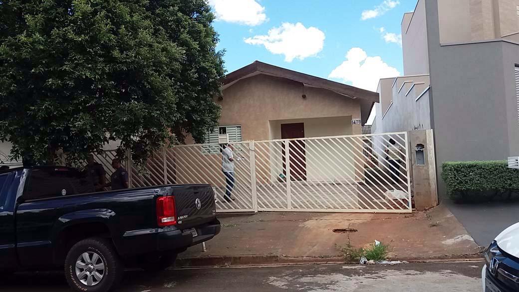 Residência furtada está para locação na rua Paraná, Vila Mineira. FOTO: MANOEL MESSIAS/Agência