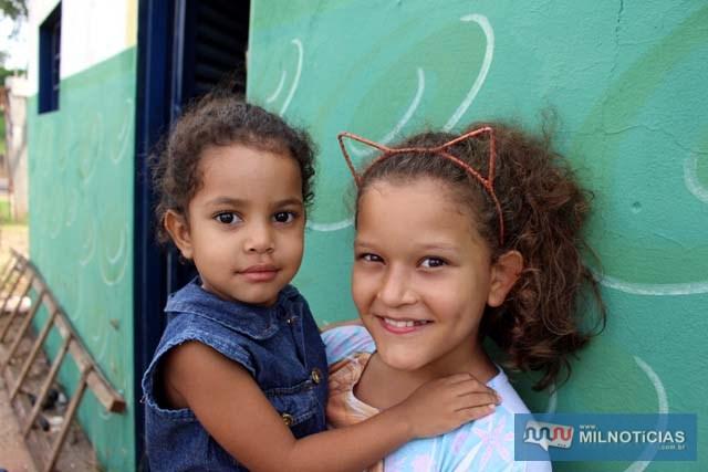 Crianças da família de 'Zequinha', patrono do Guarani. Foto: MANOEL MESSIAS/aAgência