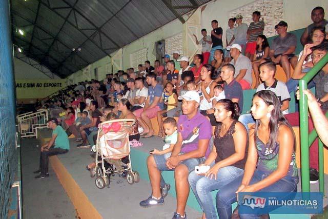 Mesmo com o tempo chuvoso, grande público compareceu na partida de estréia do campeonato.  Foto: Assessoria de Comunicação