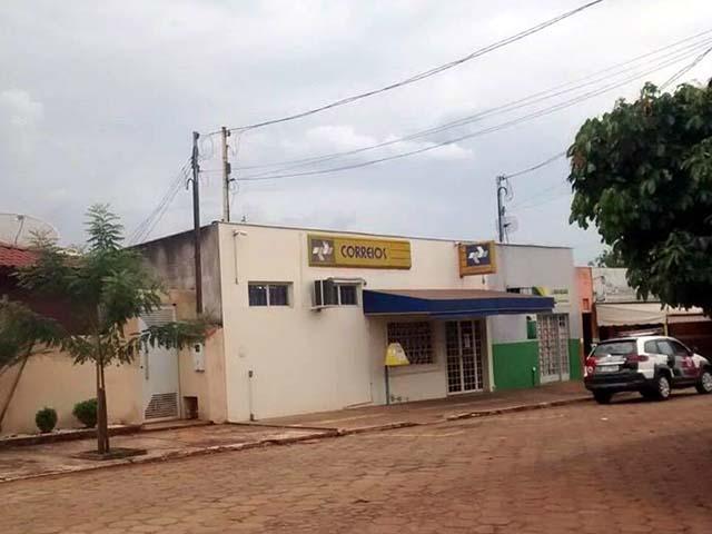 Ladrão armado rende funcionários e rouba agência dos Correios em Itapura, Fotos: A Voz da Verdade
