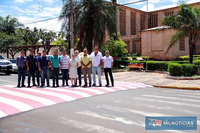 Lombofaixa é instalada na rua J.A. de Carvalho, ao lado da igreja Nossa Senhora das Graças. Foto: Secom/Prefeitura