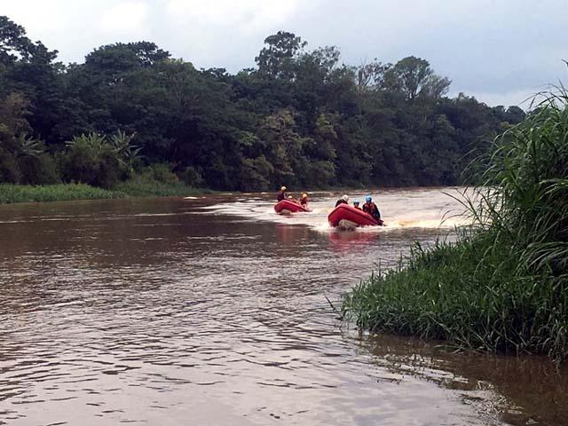 Bombeiros pedem vazão de água de duas represas para ajudar nas buscas de PM desaparecido (Foto: Divulgação/Bombeiros)