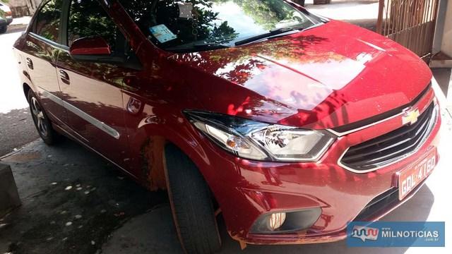 Taxista chegou a bater o parachoque dianteiro doo veículo em um barranco, depois de se livrar dos bandidos. Foto: MANOEL MESSIAS/Agência