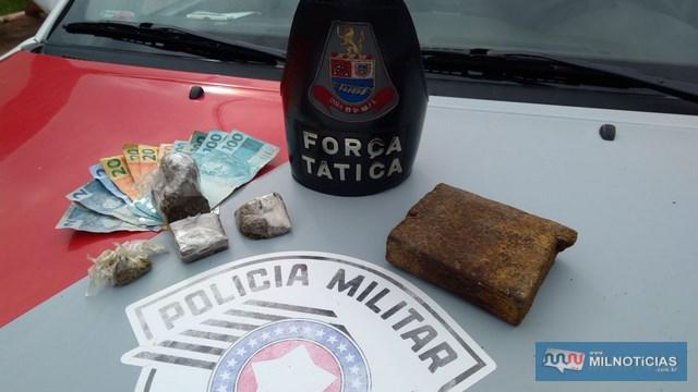Foram apreendidos meio tijolo e outros pequenos tabletes de maconha (Cannabis Sativa), além de R$ 616,00 em dinheiro. Foto: MANOEL MESSIAS/Agência