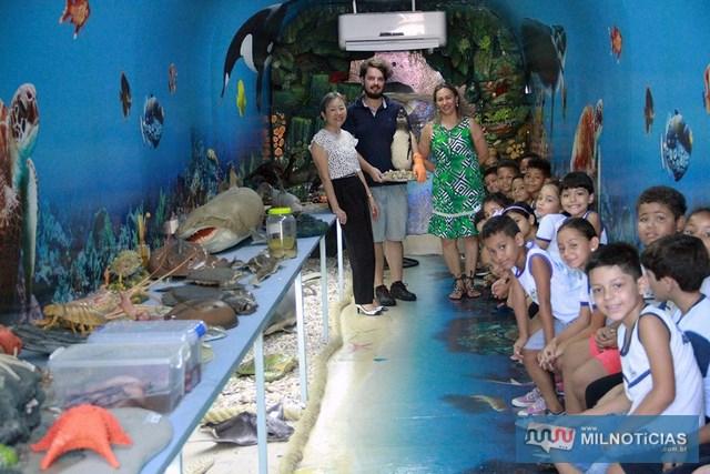 Prefeita Tamiko esteve acompanhando o museu itinerante que levou conhecimento ambiental através de animais empalhados da Vida Marinha. Foto: Secom/Prefeitura