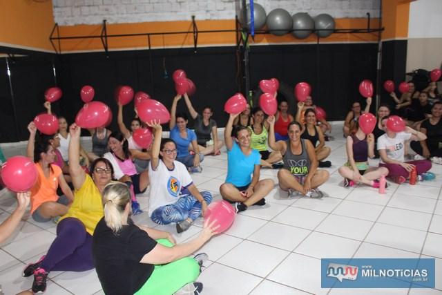 Mulheres frequentadoras da academia e presentes ao evento tiveram direito a sorteio. Foto: MANOEL MESSIAS