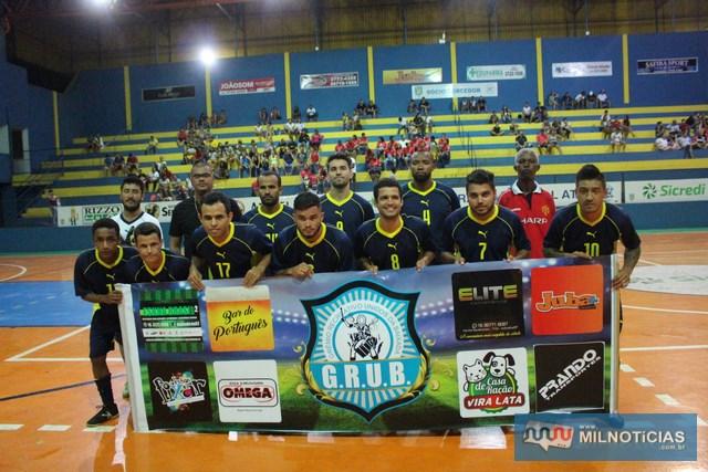 Grub/Biguá fez uma excelente campanha e vem credenciado para 'brigar' pelo título do Futsal de férias 2018. Fotos: MANOEL MESSIAS