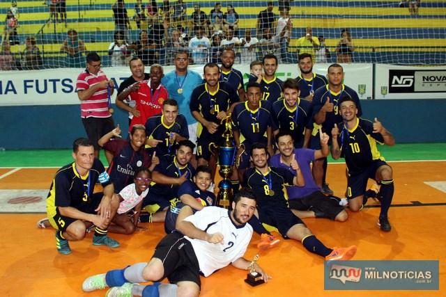 Explosão de alegria dos jogadores e comissão técnica. Foto: MANOEL MESSIAS/Agência