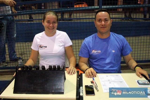 Mesários Mérice Fernanda e Guilherme, da Secretaria de Esportes. Foto: MANOEL MESSIAS/Mil Noticias
