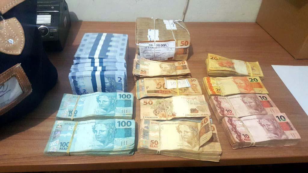 Foram recuperados aproximadamente R$ 90 mil levados do BB. Foto: DIVULGAÇÃO/PM