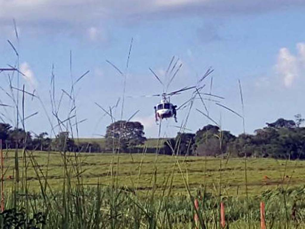 Helicóptero Águia da PM de Araçatuba foi utilização na ação de busca e captura dos envolvidos. Foto: DIVULGAÇÃO/PM