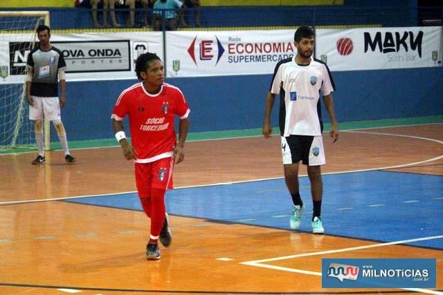Adib, do Santo Antônio  (vermelho), é um dos vice artilheiros do Futsal 2018, com 12 gols. foto: MANOEL MESSIAS/Mil Noticias
