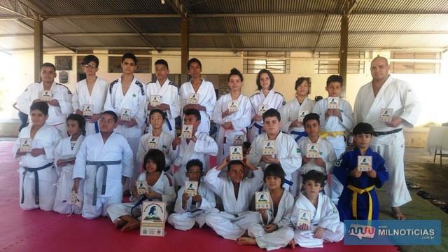 25 atletas participaram da 19ª Copa de Judô, em Jales, nas dependências do Centro Comunitário do JACB. Foto: Secom/Prefeitura