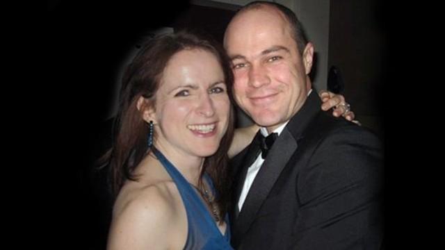 Victoria Cilliers quase morreu durante um salto de paraquedas e o marido, Emile (Foto: BBC).