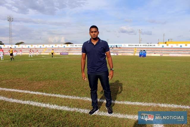 Treinador de Andradina, Fernando Lima. Foto: Manoel Messias/Mil Noticias