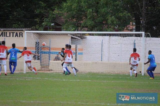 Grêmio Prudente (vermelho), chegou a empatar a partida. Foto: Manoel Messias/Mil Noticias