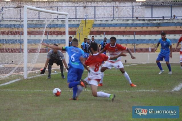 Penalidade máxima a favor de Andradina foi incontestável. Foto: Manoel Messias/Mil Noticias