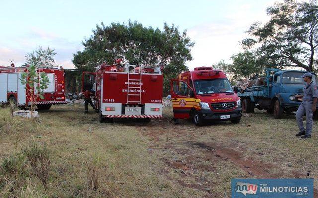 Bombeiros compareceram com várias equipes, viaturas e equipamentos. Foto: MANOEL MESSIAS/Agência