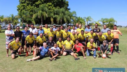 Momento de alegria após a confirmação do título de campeão do time da Chácara. Foto: Manoel Messias/Agência