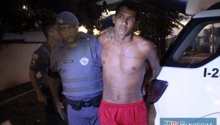 Acusado foi indiciado por posse de arma de fogo, porte de entorpecente e receptação. Foto: MANOEL MESSIAS/Agência