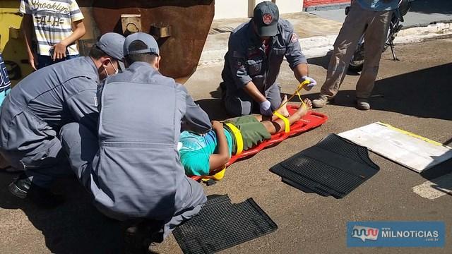 Garoto apresentava ferimentos nas mãos, cotovelos e joelhos, foi socorrido, medicado e liberado. Foto: MANOEL MESSIAS/Agência
