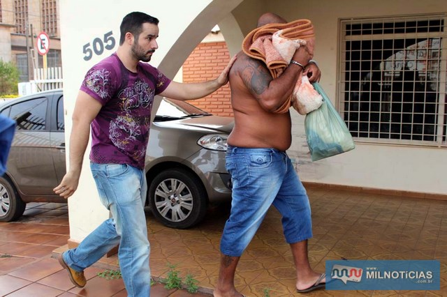 'Nei Carabina' foi encaminhado para a sede da DISE e depois recolhido à cadeia de Lavínia. FOTO: MANOEL MESSIAS/Agência