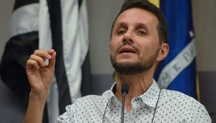 Vereador Cláudio Henrique da Silva foi condenado à perda do cargo público em Araçatuba (SP) (Foto: Câmara Municipal de Araçatuba/Divulgação)