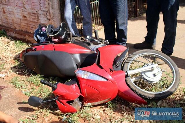 Motoneta Biz sofreu estragos consideráveis em sua carenagem. Foto: MANOEL MESSIAS/Mil Noticias