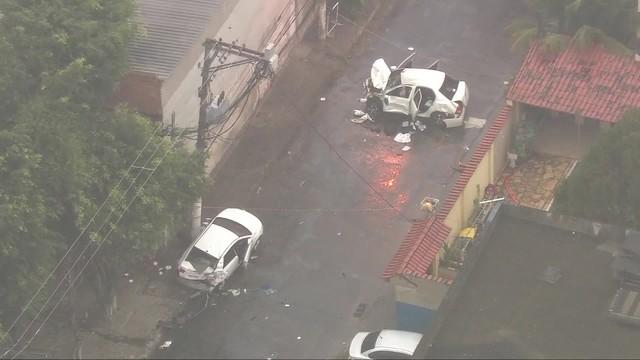 Criminosos em fuga atropelaram e mataram casal em rua de Duque de Caxias. (Foto: Reprodução / TV Globo).