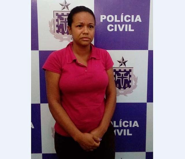 Mulher foi presa em Itabuna suspeita de matar dois namorados envenenados no período de oito meses (Foto: Divulgação/Policia Civil).